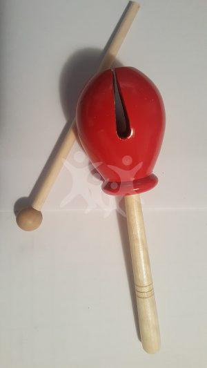 תיבה סינית אדומה על מקל